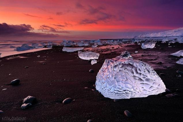 Jökulsárlón-Beach-Iceland