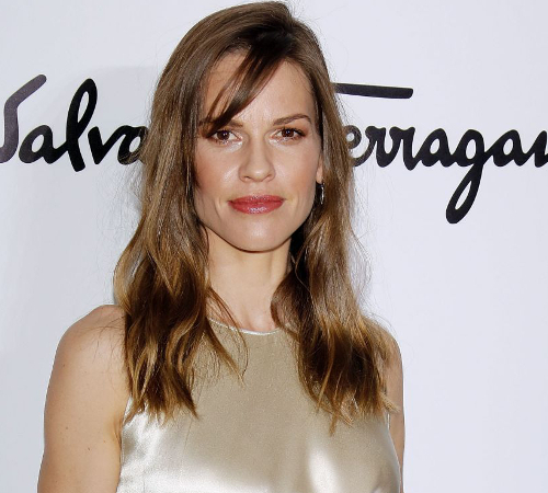 embedded_hilary_swank_growing_up_poor
