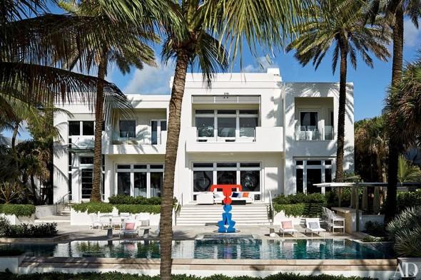 item1.rendition.slideshowHorizontal.tommy-hilfiger-florida-beach-house-02-pool-590x393