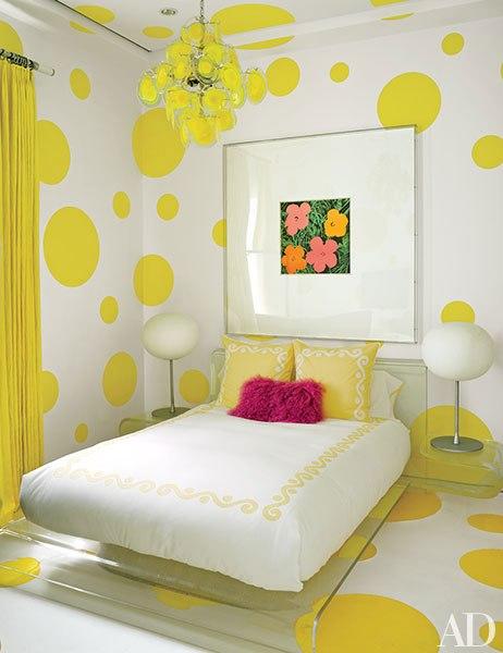 item9.rendition.slideshowVertical.tommy-hilfiger-florida-beach-house-10-guest-room