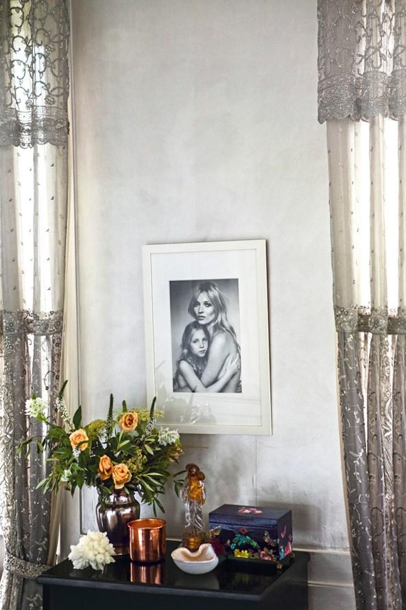 Kate-Moss-Testino-print-Vogue-27Jan15-Mike-Trow_b_592x888