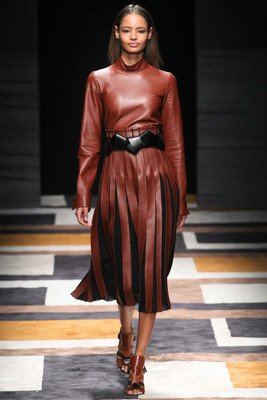 embedded_big_belts_fall_2015_trends