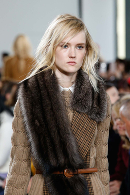 embedded_fur_stoles_trend_fall_2015