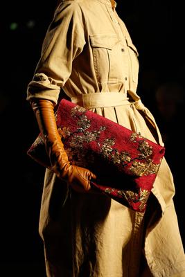 embedded_long_gloves_fall_2015