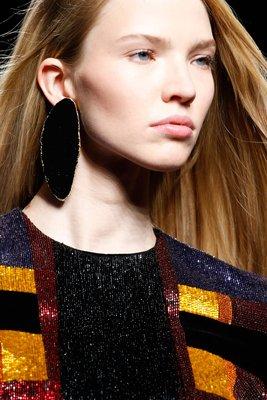 embedded_single_earring_trend_fall_2015