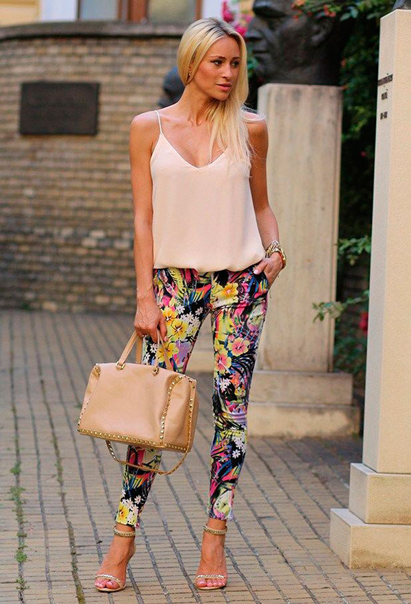 2015-Floral-Pants-For-Women-Street-Style-Trends-2