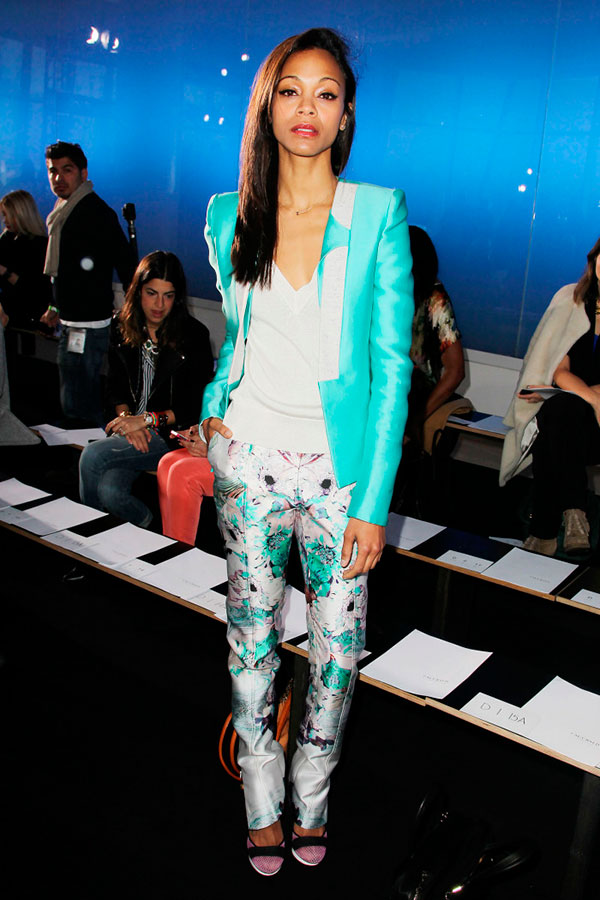 2015-Floral-Pants-For-Women-Street-Style-Trends-20-700x1050