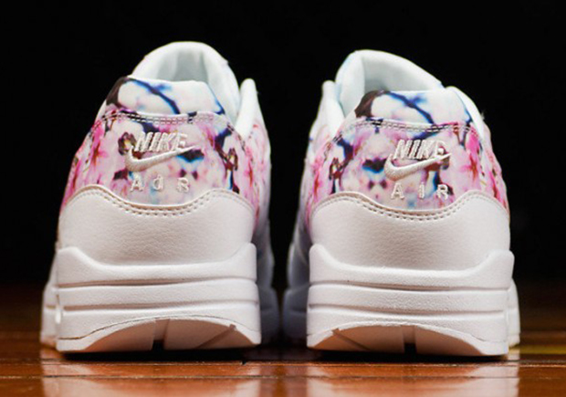 nike-air-max-1-cherry-blossom-03