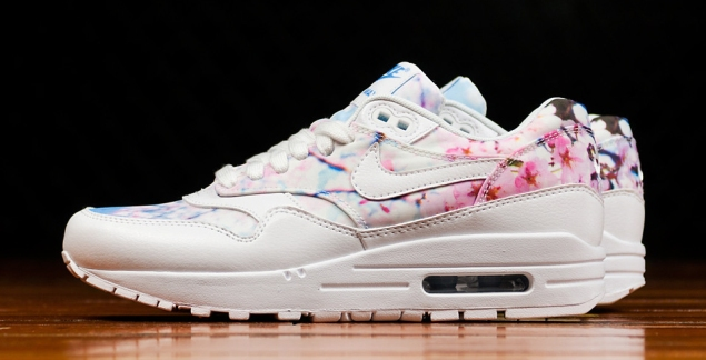 nike-womens-air-max-1-cherry-blossom-03